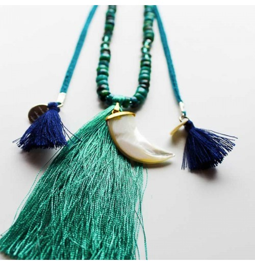 MauÏ green tooth Necklace