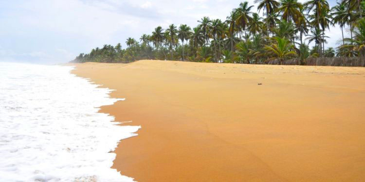 plage grand bassam côte d'Ivoire