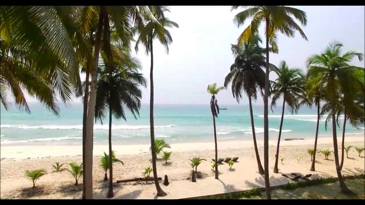 plage d'assinie en côte d'ivoire