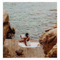 Dimanche 💛 . Je pensais passer une journée au calme... bien au contraire elle a été très productive avec un grand rangement à la maison. . Une semaine bien chargée s'annonce entre les rendez-vous pro et l'atelier, préparer les fiches produits pour la collection capsule du 5 février. . Je vous souhaite une belle semaine. . . . . #sathynebijoux #slowlife #sundayvibes #moodoftheday #beachlife #goodvibes