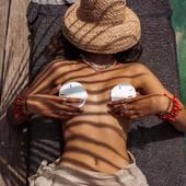 Profiter des vacances.... C'est partie pour 2 mois de soleil, piscine, plage, barbecue et copains et surtout ne rien programmer et profiter pour buller !!!!  .  .  .  .  #sathynebijoux #marquefrancaise #creatricedebijoux #bijouxcoquillages