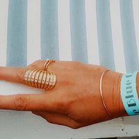 Il y a quelques jours @cerroneofficial était en concert au @lebluecargo les bijoux Sathyne étaient là avec @clemamelienovember , merci ma belle pour ces photos 😘 🧡 Bague QUEEN vermeil & zircon rose Bague TOI&MOI vermeil & topaze blue London. 🧡 #sathynebijoux #paysbasque #biarritz #fashiongirl #beachgirls #oceanstyle #creatricebijoux #bijouxcreateurenligne #shoppingonline #pinkzircon #topazobsessions #topaz