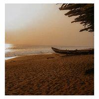 Inspiration ✨☀️ . Pour la nouvelle collection capsule, je me suis inspirée des plages de la Côte d'Ivoire, un pays d'Afrique ou j'ai eu la chance de grandir... . Car je peux vous confirmer que les plages sont juste sublimes... . Rendez-vous le 5 février sur la boutique en ligne pour découvrir les bijoux. . . . . #sathynebijoux #creatricedebijoux #atelierdebijoux #cotedivoire #inspiration #visiterlafrique #bijouxcoquillages #assiniemafia #assiniebeach #expatlife